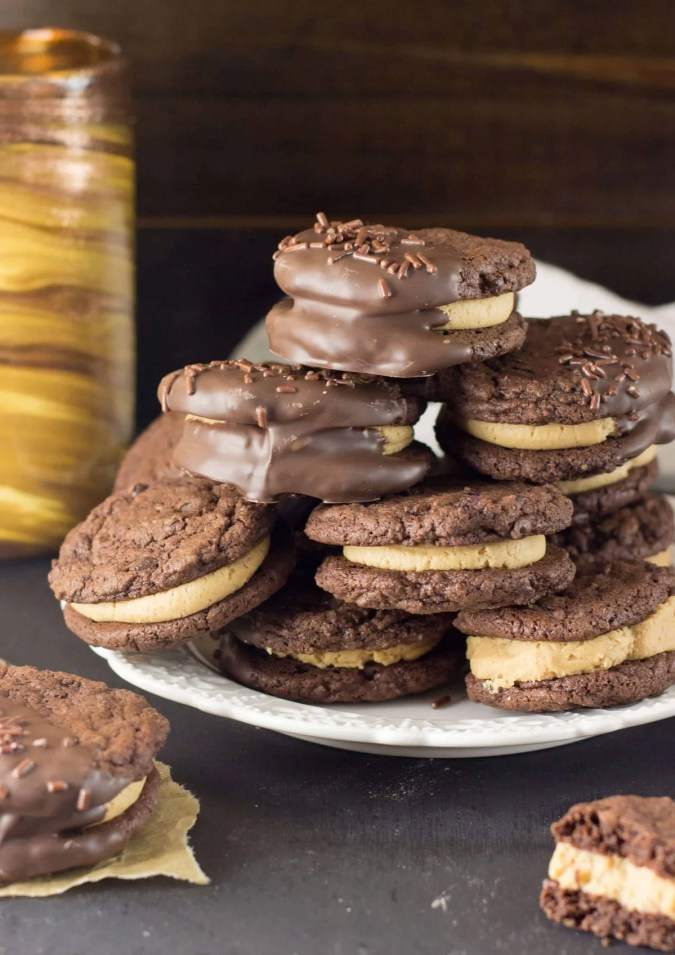 Chocolate Peanut Butter Sandwich Cookies - Sugar Spun Run