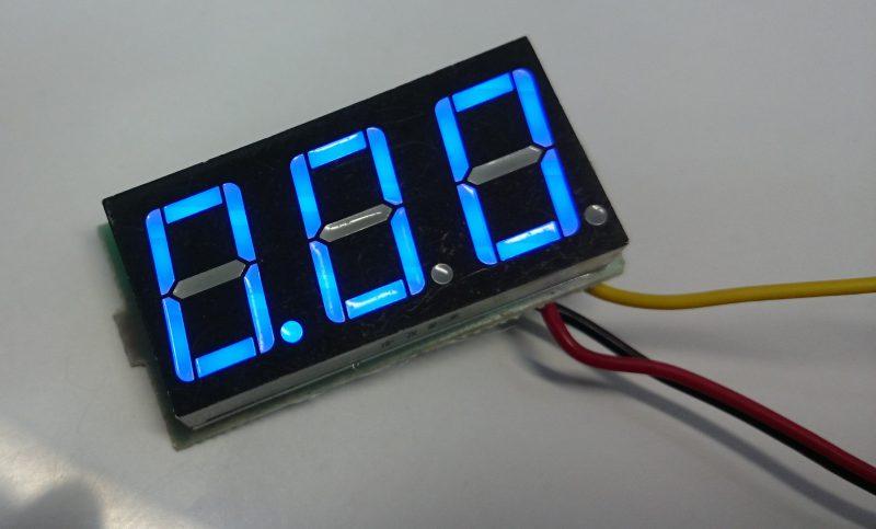 aitendoの3桁電圧表示器を3線式に改造する!