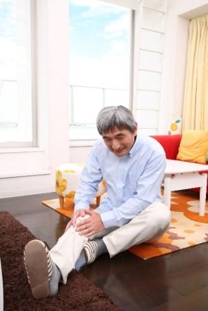 膝が曲がらない原因は病気?痛い場合は?治療法についても!