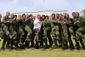 Demonstrasi Beladiri Meriahkan Penutupan Dikbasis Batalyon 102 Maha Bhakti UNP