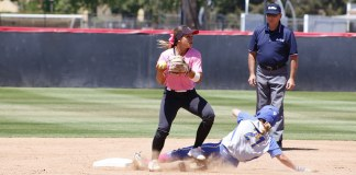 CSUN softball player tags opposing athlete