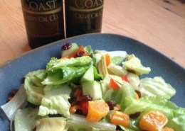 Green salad with pineapplle mgremolata vinaigrette