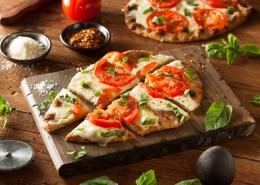869 shutterstock_267495407 pizza