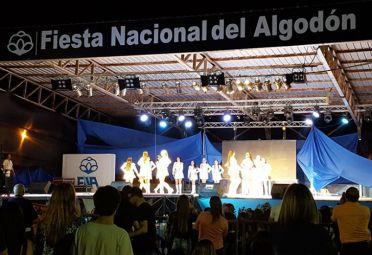Show de bastoneras en la apertura de la fiesta. FOTO: Fan Page Facebook Fiesta Nacional del Algodón.