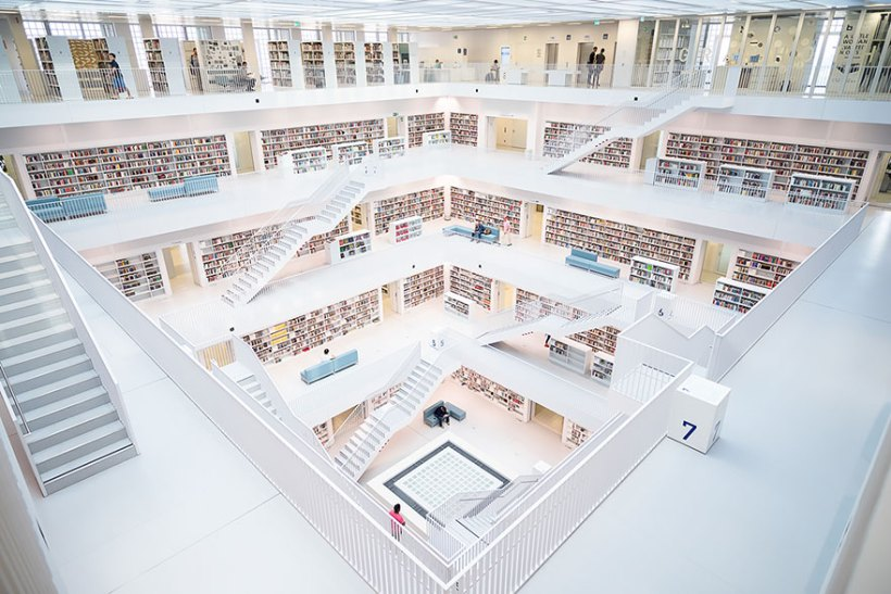 Biblioteca em Stuttgart, Alemanha