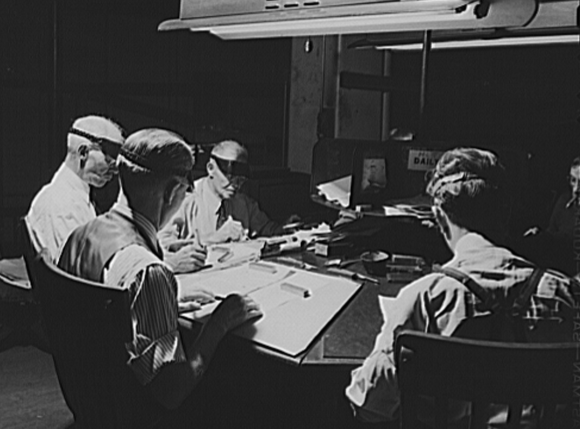 Proofreading desk at a newspaper, 1943. (Photo: Library of Congress)