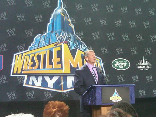 Vince McMahon dice que WrestleMania regresa a Casa en la Conferencia de Prensa de WrestleMania 29 / Photo by: Ohm Youngmisuk – Twitter.com/notoriousohm