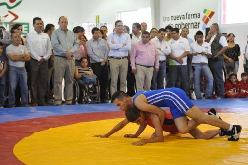 Inauguran gimnasio de lucha ol mpica en torre n superluchas for Gimnasio arena