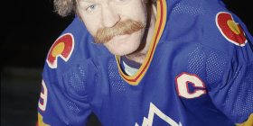 Lanny McDonald (1953-...) - Canadian former professional ice hockey player