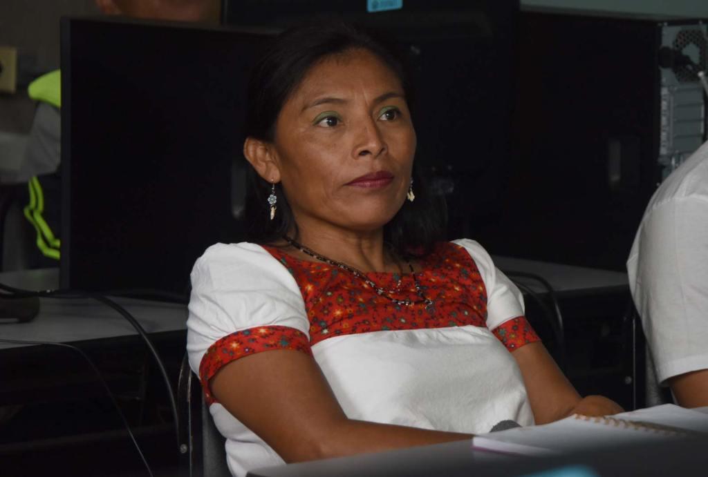 UCR Maestros de lenguas indigenas usaran software libre para aplicarlo en el aula2