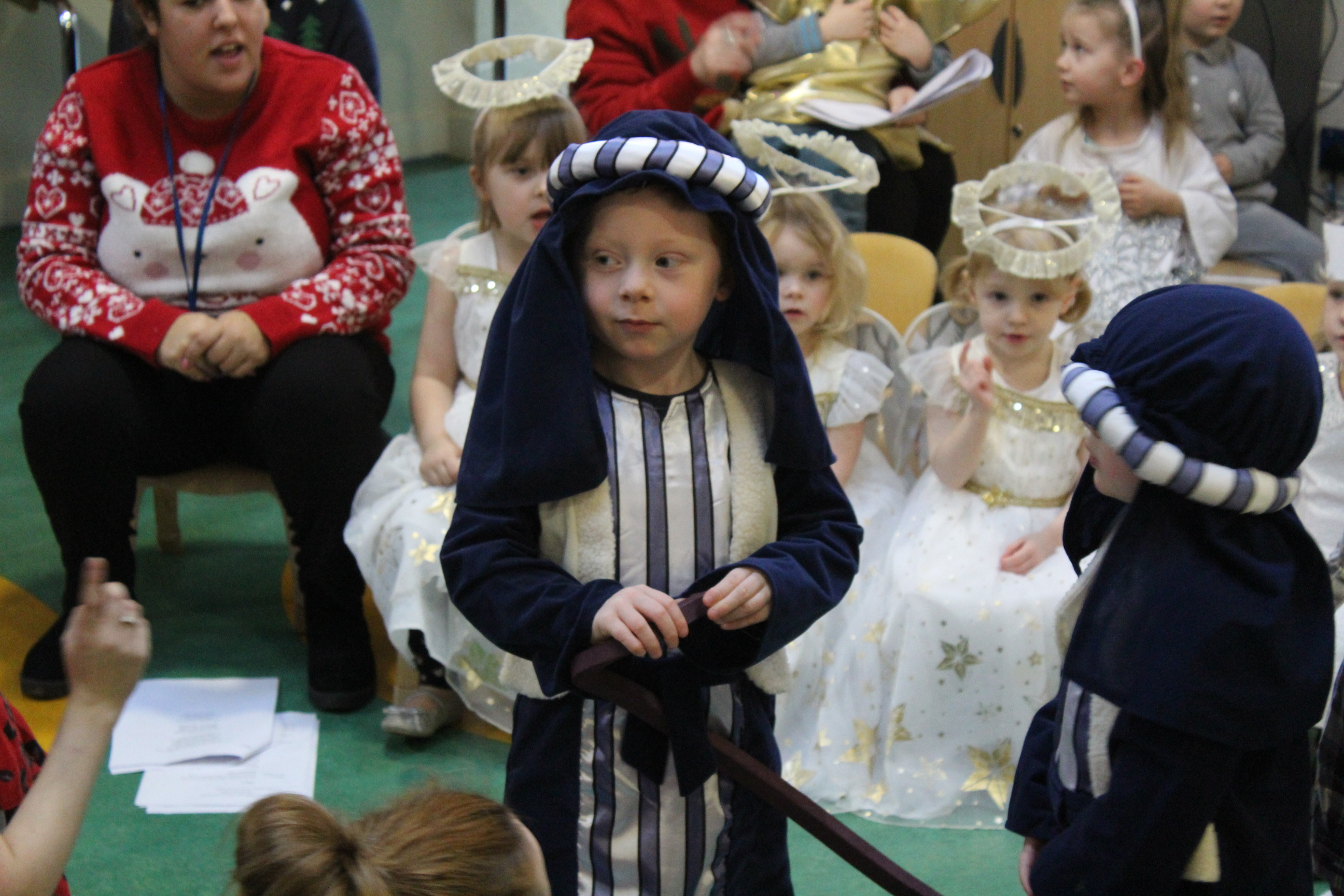 nursery-nativity-friday-16-12-16-25