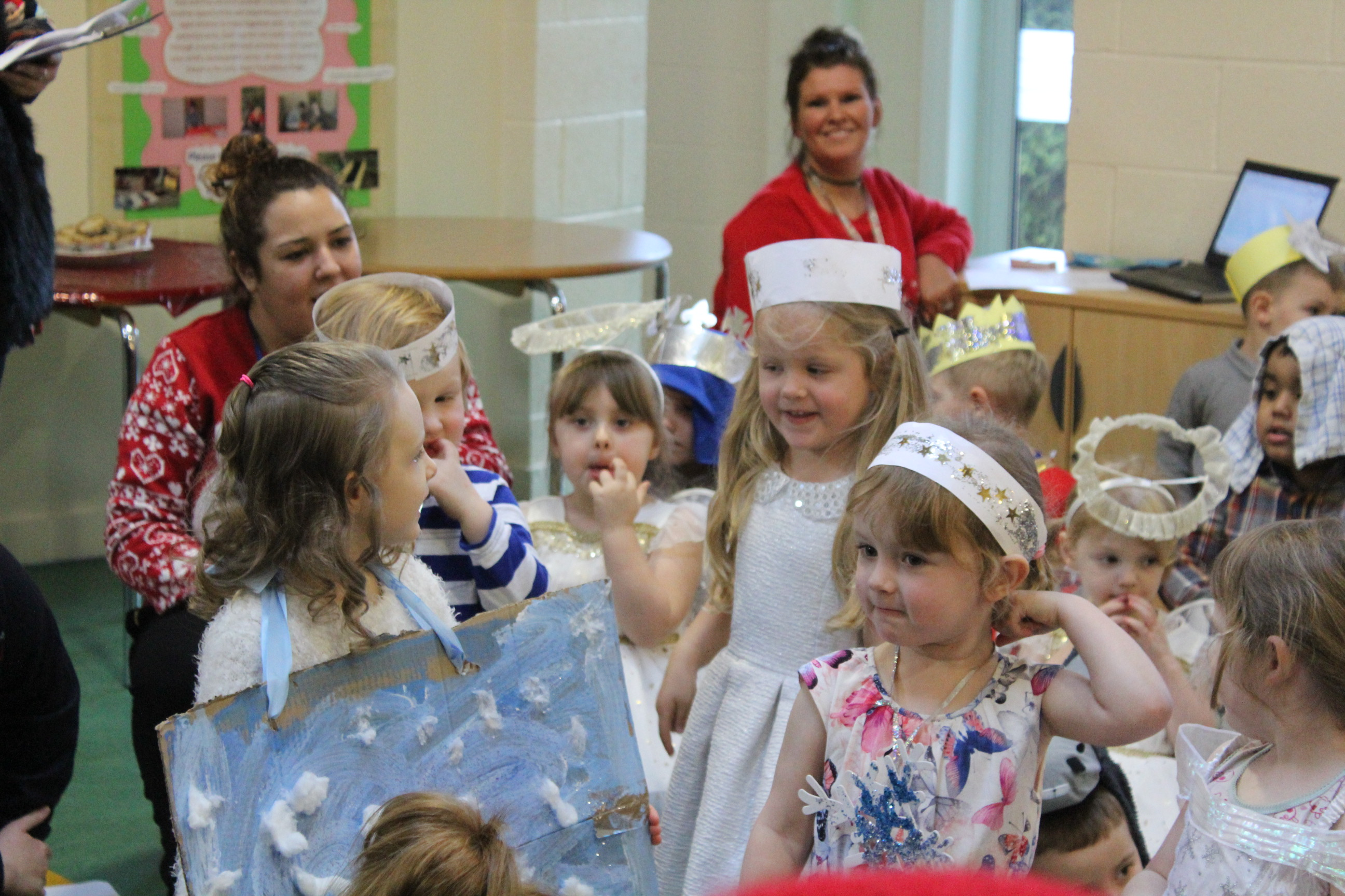nursery-nativity-friday-16-12-16-9