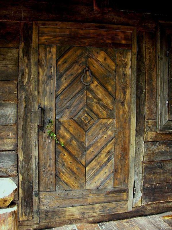 despre-case-din-lemn-vechi-mester-Danut-Hotea-case-rustice-din-lemn-28