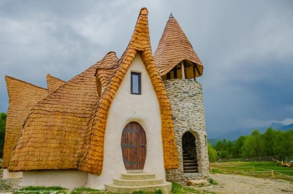 Castelul de lut Valea Zanelor Porumbacu de Sus 11