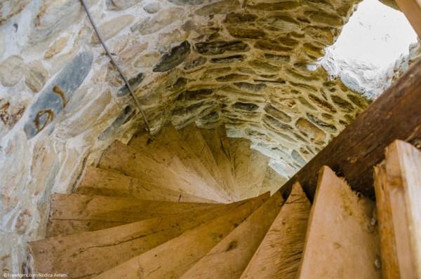 Castelul de lut Valea Zanelor Porumbacu de Sus 6
