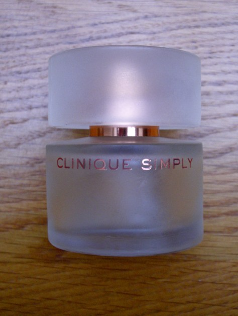 Clinique Simply perfume