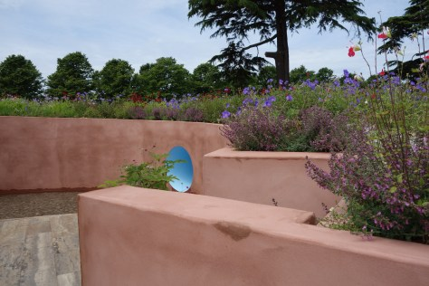 Hampton court flower show gardens