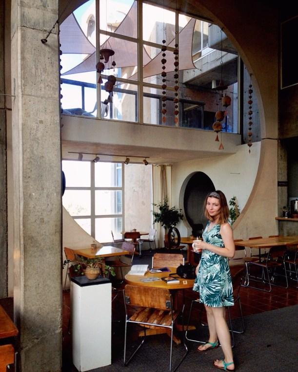 sustainable daisy arcosanti arizona fashion eco-friendly ecofashion thrifted sustainability architecture