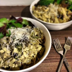 Creamy Tagliatelle with Sprouts and Mushrooms