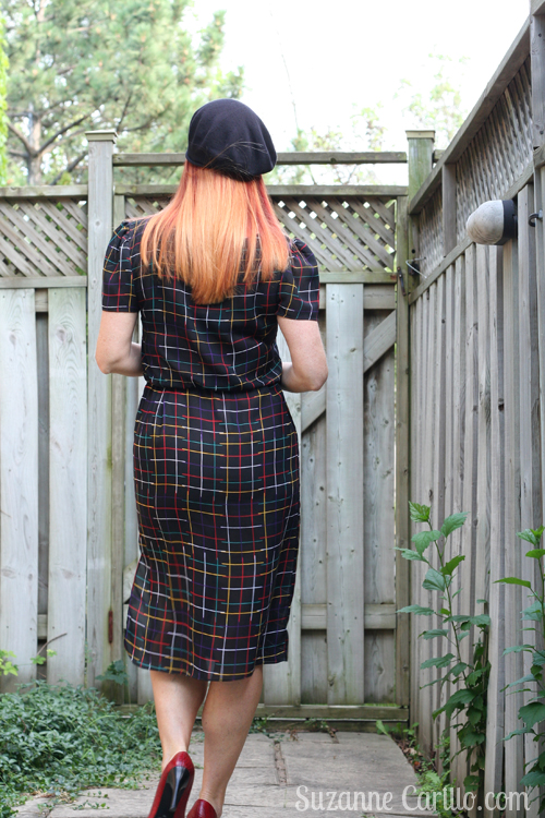 How to wear 1980's vintage dress over 40 without looking ridiculous. 1980s black vintage colorful checked dress for sale suzanne carillo