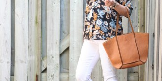 Simple Summer Style White Jeans Brogues & Floral Top
