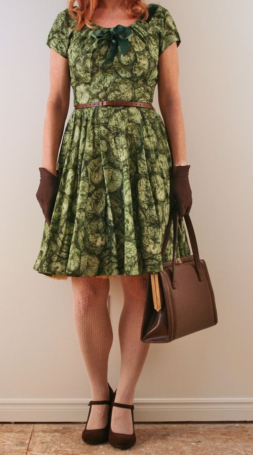 Vintage 1950's green dress brown gloves