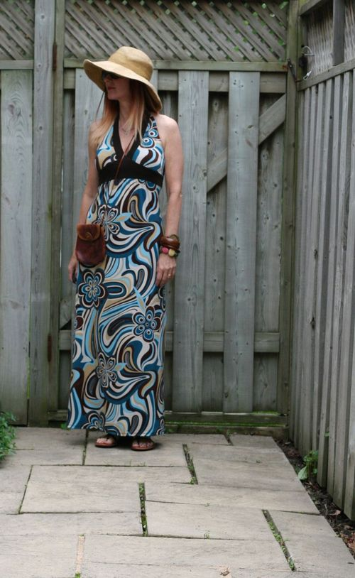 What to wear when you are feeling fat patterned maxi dress suzanne carillo style files