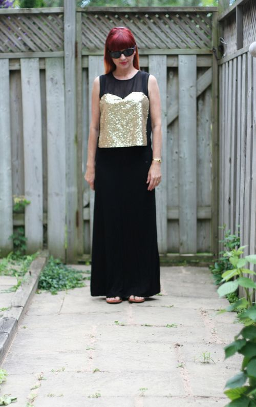 Easy travel outfit gold top black maxi skirt suzanne carillo style files
