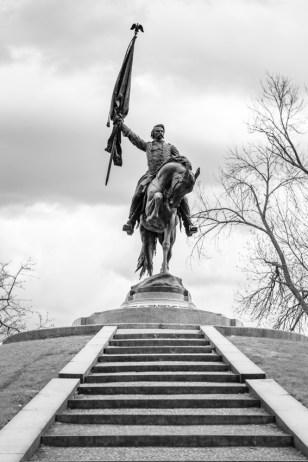 General John Logan monument in Chicago's Grant Park