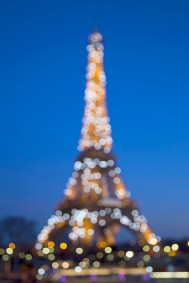 Eiffel Tower twinkle lights