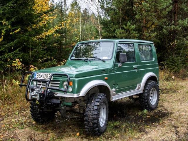 Zielony Suzuki Samurai Pawła