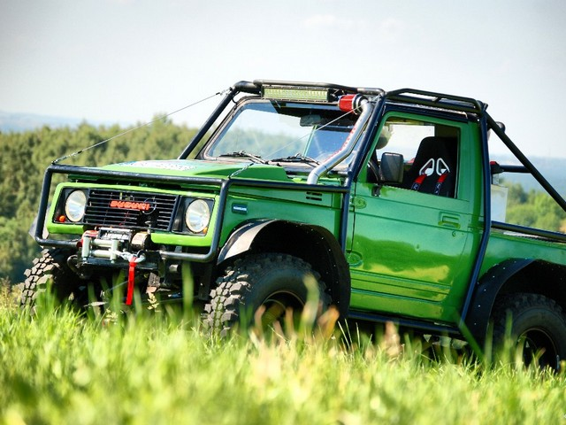 Suzuki Samurai – zielony monster
