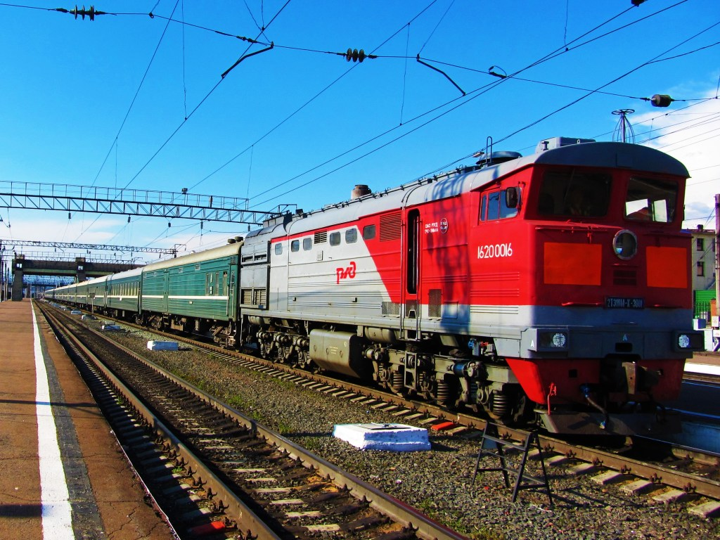 russia-train-potd-engine
