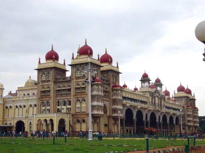 mysore-palace-exterior