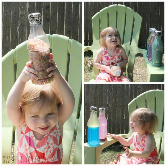 Fun DIY Sensory Bottles for Toddlers via sweetlilyou.com