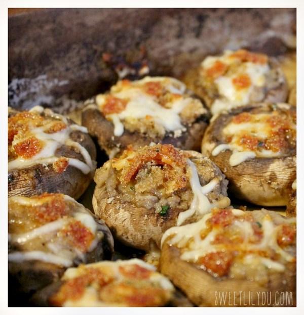 Pepperoni Stuffed Mushrooms - Holiday Hors d'oeurves #PepItUp #ad