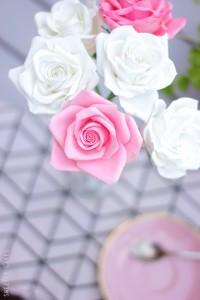 Bouquet de rose en porcelaine frode