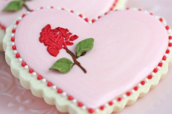 How to Stencil on Cookies with Royal Icing  Video    Sweetopia heart rose cookie 590x393