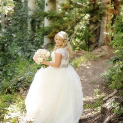 Pink + Peach Utah Wedding at The Canyons