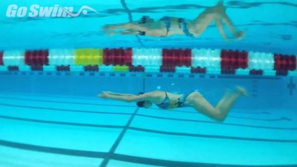 平泳ぎのひとかきひとけり