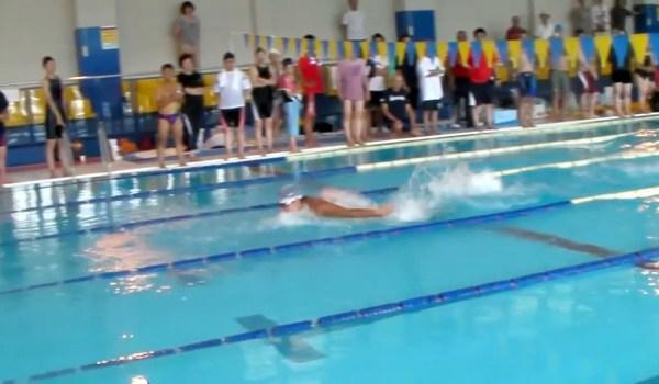 楽に速く泳ぐ為のバタフライの泳ぎ方のコツを掴もう。