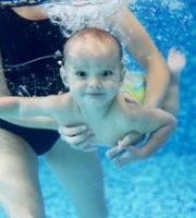 Baby_underwater_pool346