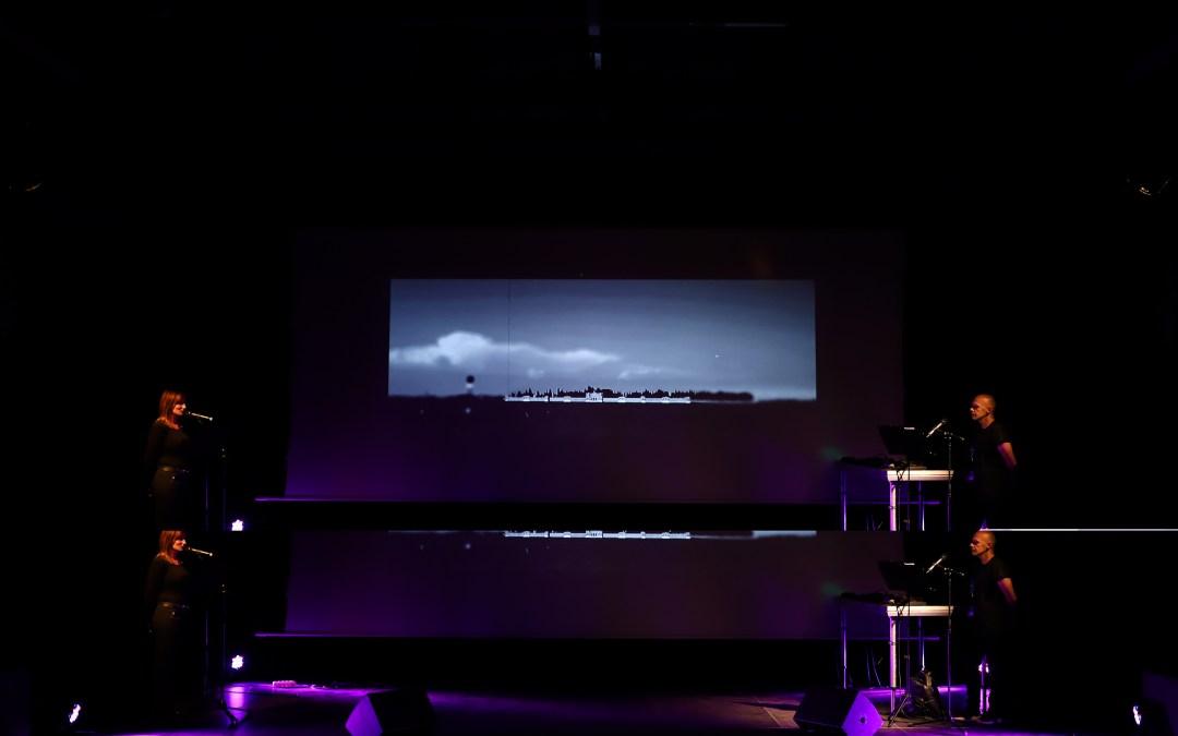 Rozhovor s multimediálnym umelcom Marošom Rovňákom o predstavení In Absentia