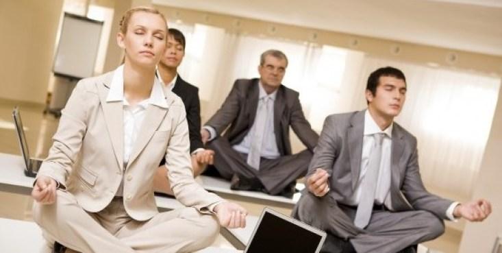 http://i2.wp.com/sydneycorporateyoga.com/wp-content/uploads/2012/07/workplace-yoga-e1351069736236.jpg?resize=733%2C369