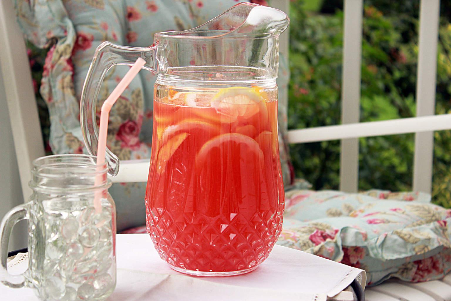 Rosemary Peach Lemonade