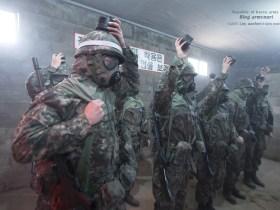 恐怖の化学ガス訓練。防毒マスクをはずさなければならない(写真/韓国陸軍公式サイトより)
