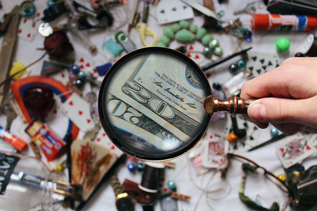 close-up-photography-of-magnifying-glass-906055