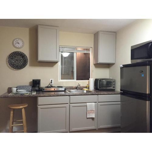 Medium Crop Of Studio Apartment With Kitchenette