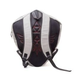 Hylian_Shield_Shaped_Backpack_02