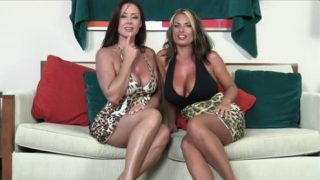 Goldie Blair, Christina Carter – Mother And Aunt Tease